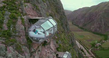 Ai dormi într-o capsulă transparentă suspendată la 120 m?