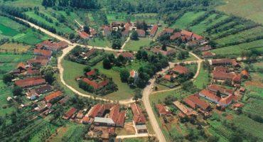 Satul rotund din România, bijuterie ascunsă între dealuri