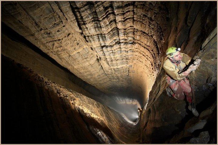 Peștera Krubera - Cea mai adâncă peșteră din lume