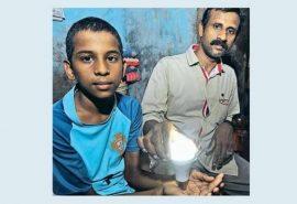 VIDEO Corpul unui băiat din India poate să aprindă becuri
