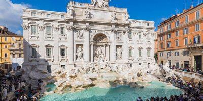 Peste 3 000 de euro sunt aruncați zilnic de către turiști în Fontana di Trevi din Roma