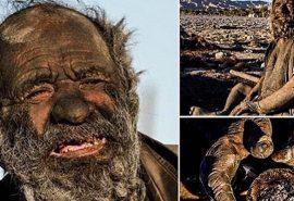 El este Amoo Hadji - bărbatul care nu s-a mai spălat de 60 de ani