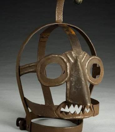 Cum erau pedepsite persoanele care bârfeau în Evul Mediu?