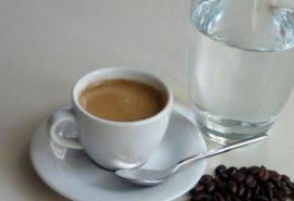 De ce în Turcia cafeaua se servește împreună cu un pahar de apă?