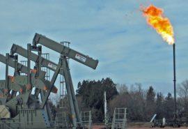 De ce sondele de petrol au o flacără aprinsă?