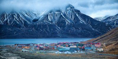 Cel mai nordic oraș al lumii: nu poți muri, naște, iar noaptea durează 4 luni