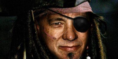 De ce pirații își acopereau un ochi?