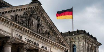 De ce germanii își numesc țara Deutschland și nu Germania?