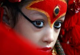 10 curiozități despre zeița vie care trăiește în Nepal