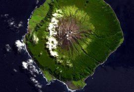 Cea mai îndepărtată insulă de pe Pământ: cum trăiesc oamenii acolo