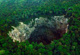 Aici încape un zgârie-nor: ce au văzut oamenii într-o peșteră de 400 de metri