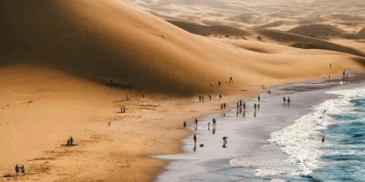 Locul unde Deșertul Namib întâlnește Oceanul Atlantic