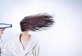 De ce femeile de peste 60 de ani poartă tunsori scurte, iar părul nu crește?