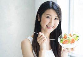 """""""Pe stomacul gol"""". Cum japonezii mănâncă o dată pe zi și nu îmbătrânesc"""