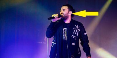 De ce muzicienii poartă căști pe scenă?
