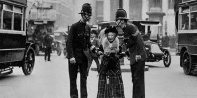 De ce poliția din Anglia nu poartă arme