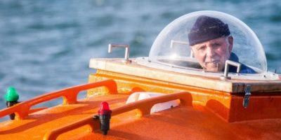 Un pensionar a traversat oceanul într-un butoi. Călătoria a durat 122 de zile