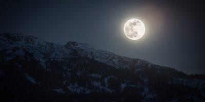 Este adevărat că Luna plină îi înnebunește pe oameni?