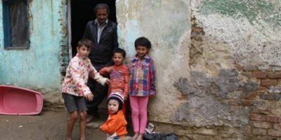 De ce familiile sărace fac mulți copii?