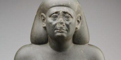 De ce statuile egiptene au nasul spart?