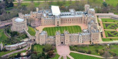 Care este diferența dintre un castel și un palat?