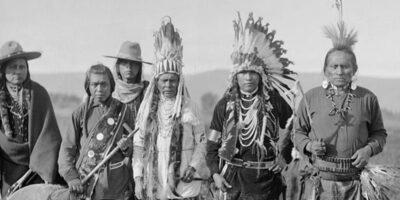 De ce indienii din SUA trăiesc în rezervații speciale?