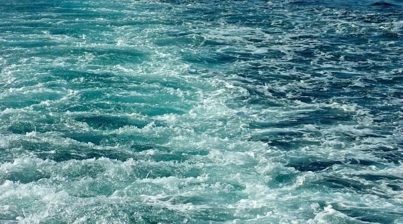 apă de mare pentru vedere)