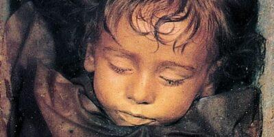 Frumoasa Adormită din Italia - Misterul mumiei care clipește în fiecare zi