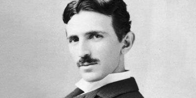5 bărbați geniali care au practicat abstinența pe tot parcursul vieții