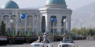 De ce mașinile negre sunt interzise în Turkmenistan?