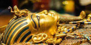 De ce după moartea lui Tutankamon, trupul său a luat foc?