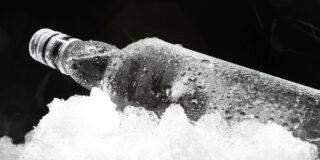 De ce nu îngheață vodka în congelator?