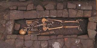 Descoperire ciudată în Italia. O femeie a născut după ce a fost înmormântată